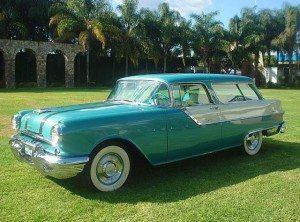 Safari Time: 1955 Pontiac Safari