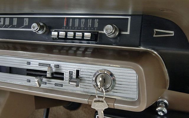 1966 Ford Galaxie Country Sedan Station Wagon Radio