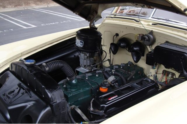 1951 Pontiac Chieftain Station Wagon Engine