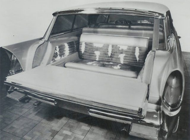 1956 Chrysler Plainsman factory photo