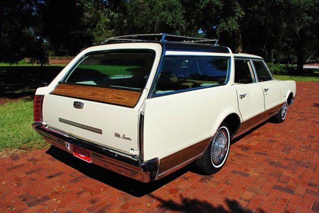 1967 Oldsmobile Vista Cruiser 3