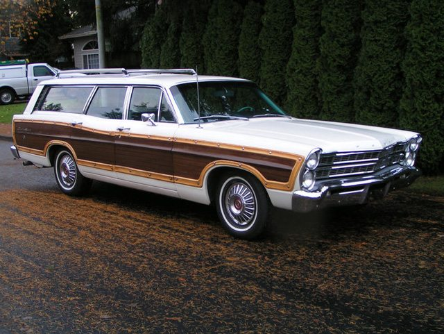 1967 Ford Country Squire 1