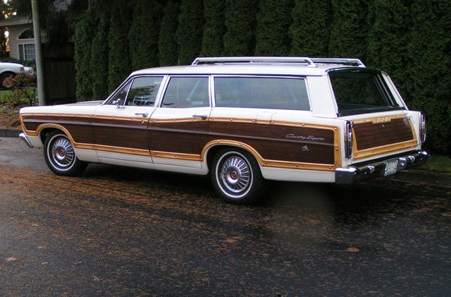 1967 Ford Country Squire 2