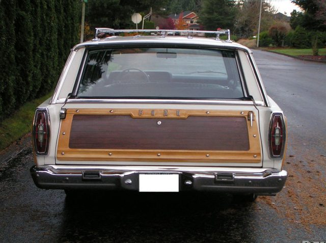 1967 Ford Country Squire 4