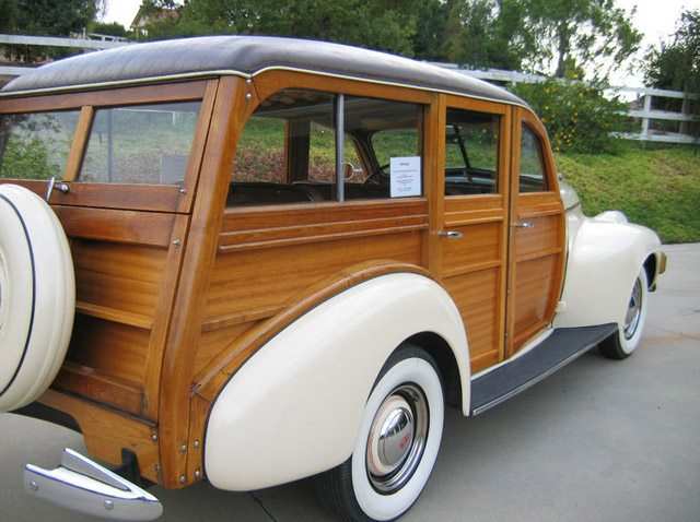 1940_oldsmobile_station_wagon3