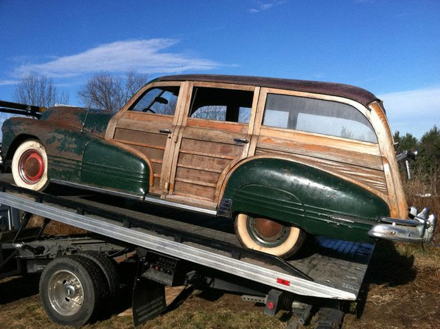 1947_pontiac_streamliner_woodie