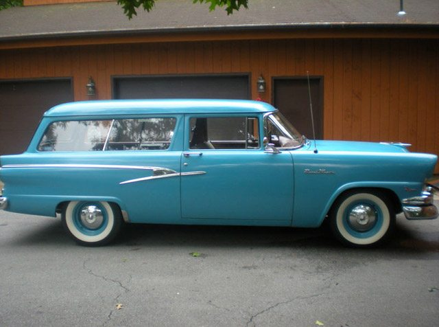 1956_ford_ranch_wagon_2