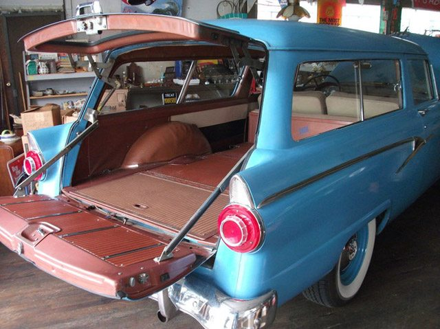 1956_ford_ranch_wagon_4