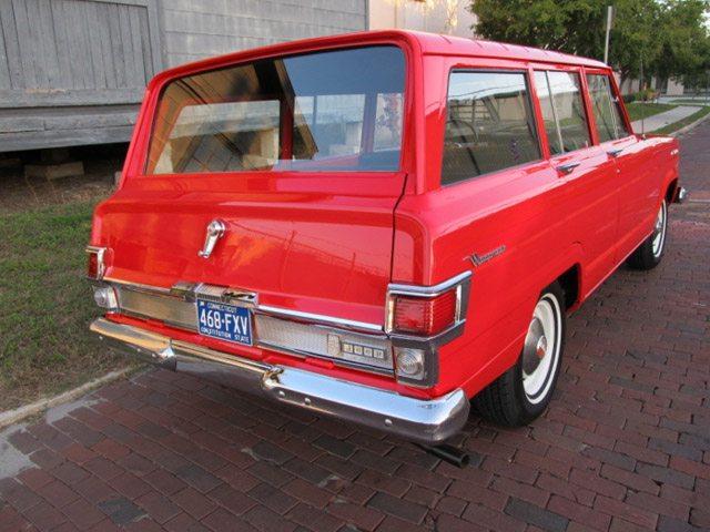 1968_jeep_wagoneer_3