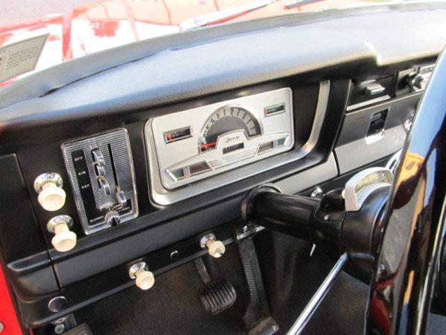 1968_jeep_wagoneer_7