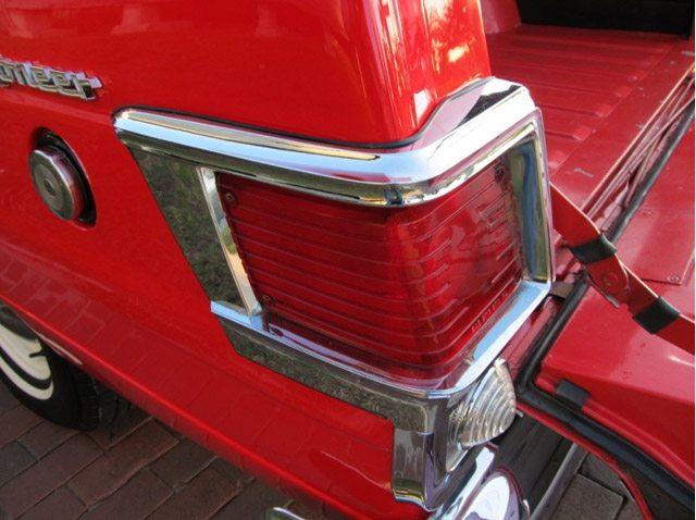 1968_jeep_wagoneer_9