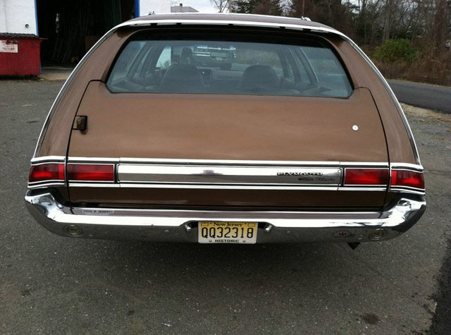 1971_Plymouth_Fury_Wagon_5