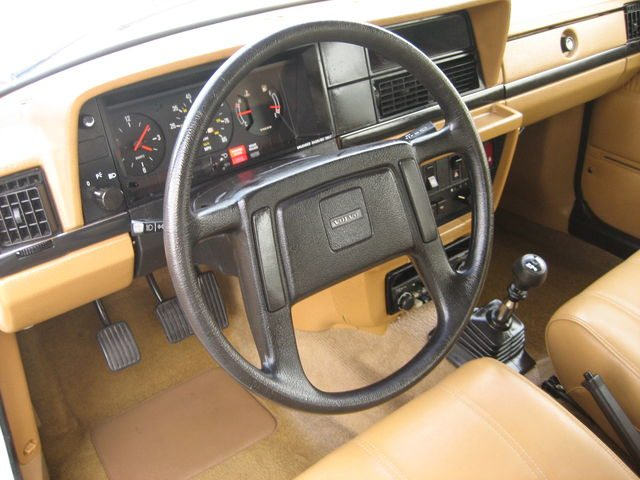 1983_volvo_240dl_wagon_6