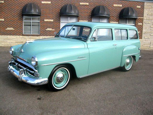 1952_plymouth_suburban_1