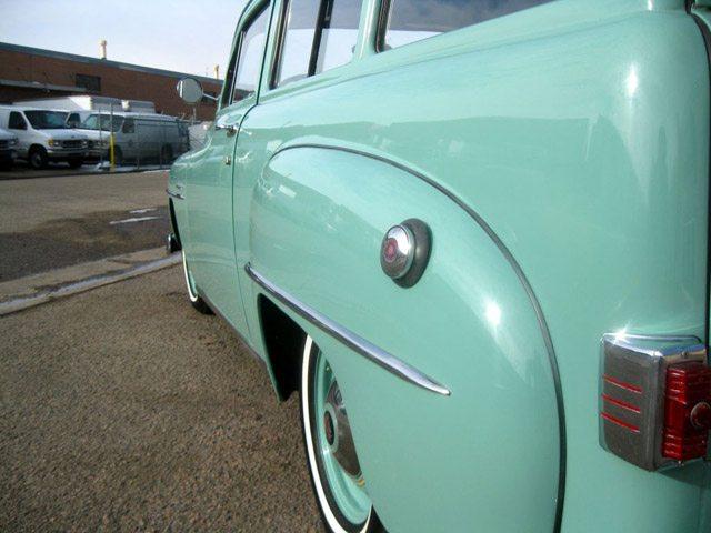 1952_plymouth_suburban_5