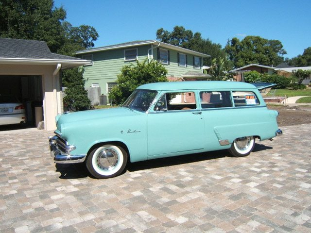 1953_ford_ranch_wagon_1