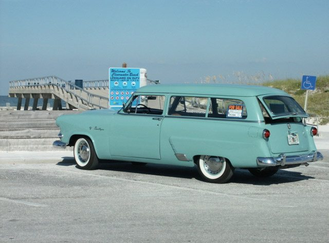 1953_ford_ranch_wagon_3