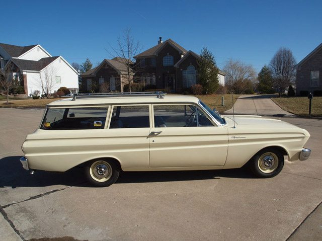 1964_ford_falcon_station_wagon_1