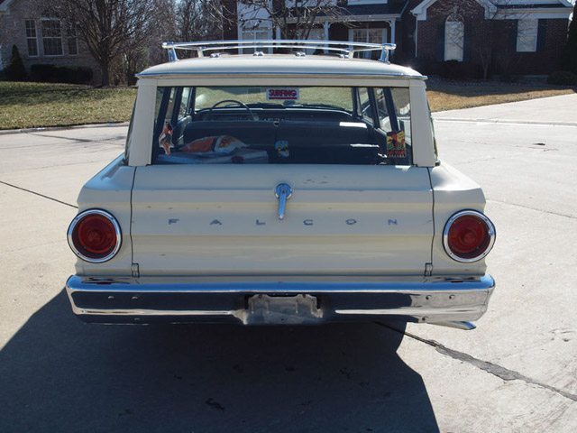 1964_ford_falcon_station_wagon_4