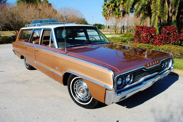 1966_dodge_polara_station_wagon_1