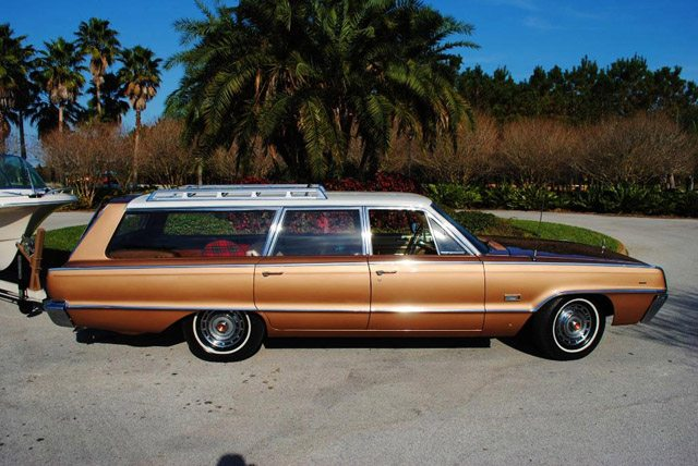 1966_dodge_polara_station_wagon_2