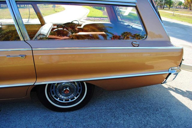 1966_dodge_polara_station_wagon_6