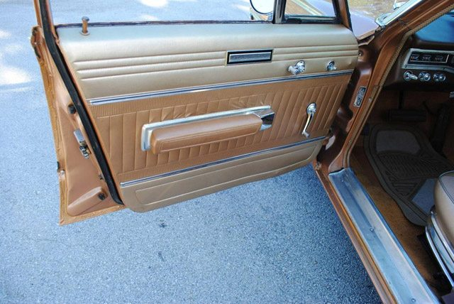 1966_dodge_polara_station_wagon_7