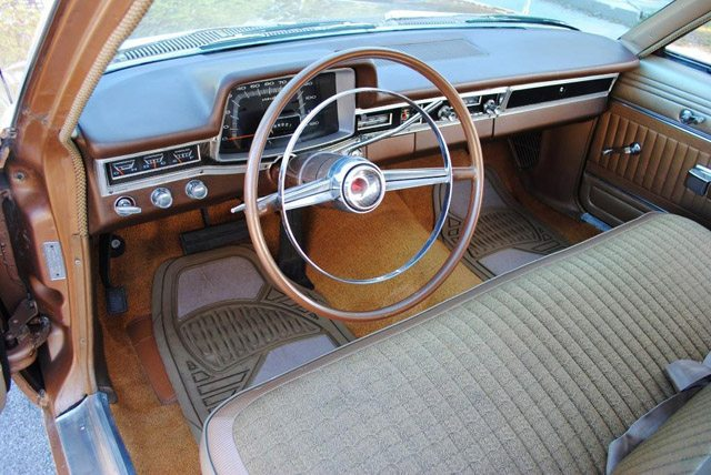 1966_dodge_polara_station_wagon_8