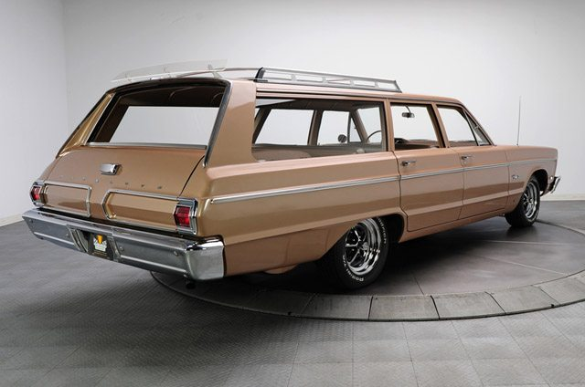 1966_plymouth_fury_station_wagon_2