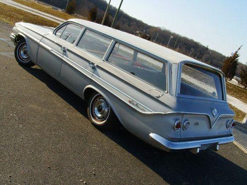 1961_Chevrolet_nomad_2