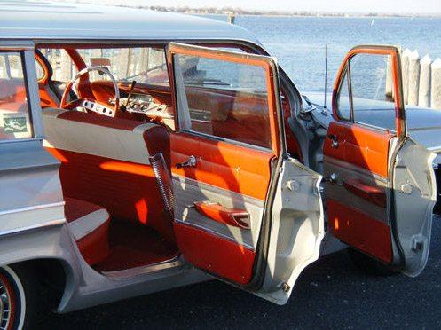 1961_Chevrolet_nomad_8