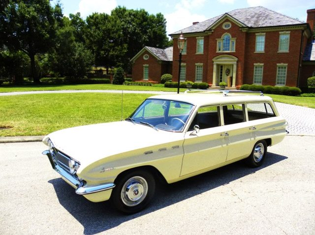 1962_buick_station_wagon_1