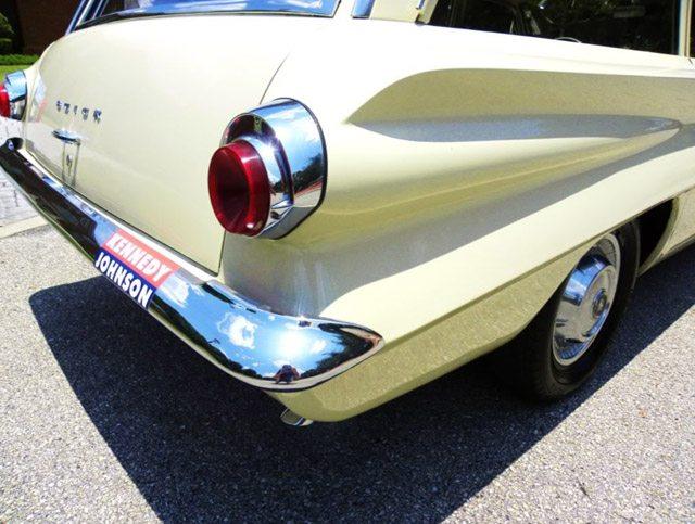 1962_buick_station_wagon_4
