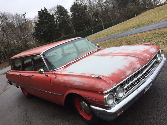 1961 Ford Country Sedan 3