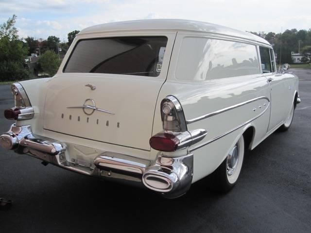 1957 Pontiac Sedan Delivery 1