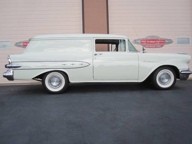 1957 Pontiac Sedan Delivery 3