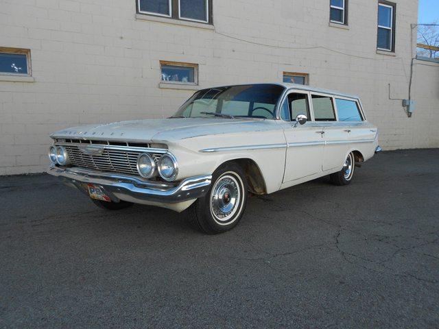 1961 Chevrolet Parkwood 1
