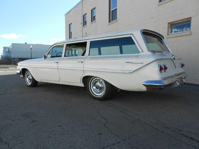 1961 Chevrolet Parkwood 3