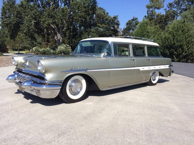 1957 Pontiac Star Chief Safari station wagon 1
