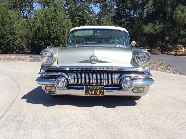 1957 Pontiac Star Chief Safari station wagon 3