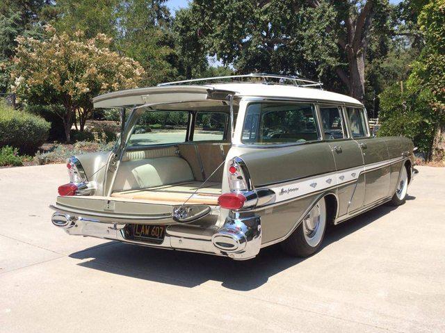 1957 Pontiac Star Chief Safari station wagon 4
