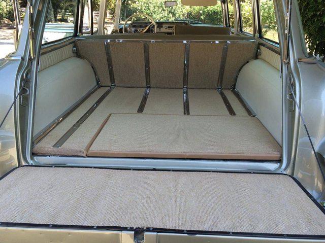 1957 Pontiac Star Chief Safari station wagon 7
