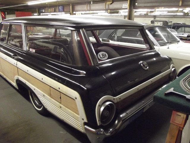 1962 Ford Country Squire Station Wagon Finder