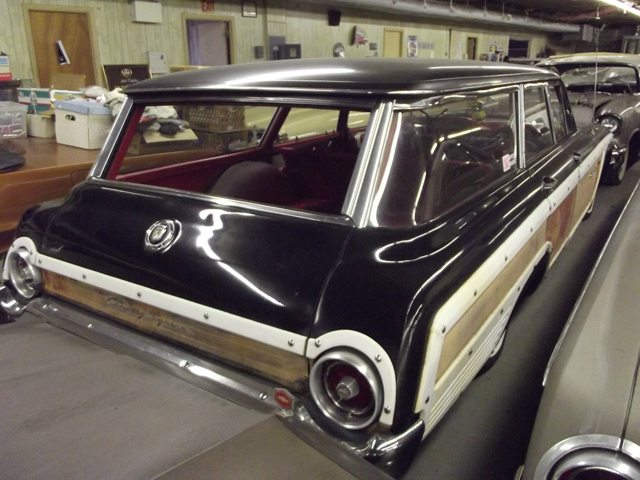 1962 Ford Country Squire 4