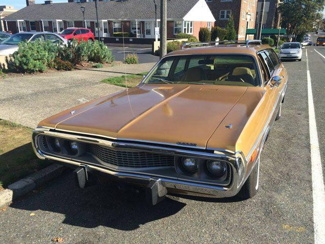 1973 Dodge Coronet Crestwood station wagon 2