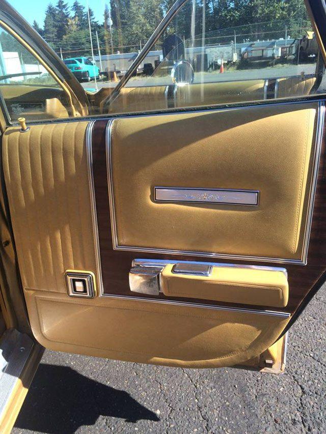 1973 Dodge Coronet Crestwood station wagon 6