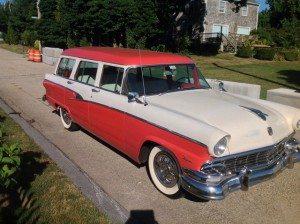 Sunday Picnic: 1956 Ford Country Sedan
