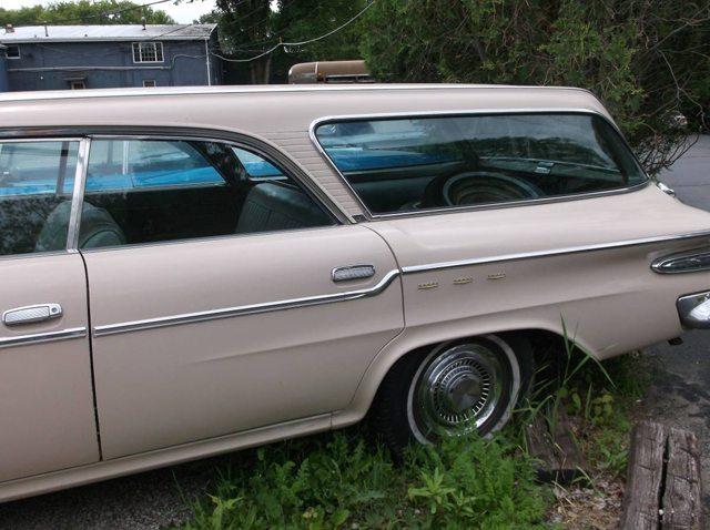 1962 Chrysler Newport station wagon 2