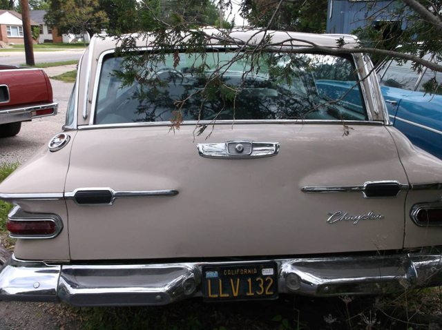 1962 Chrysler Newport station wagon 3