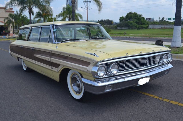1964 Ford Country Squire 2